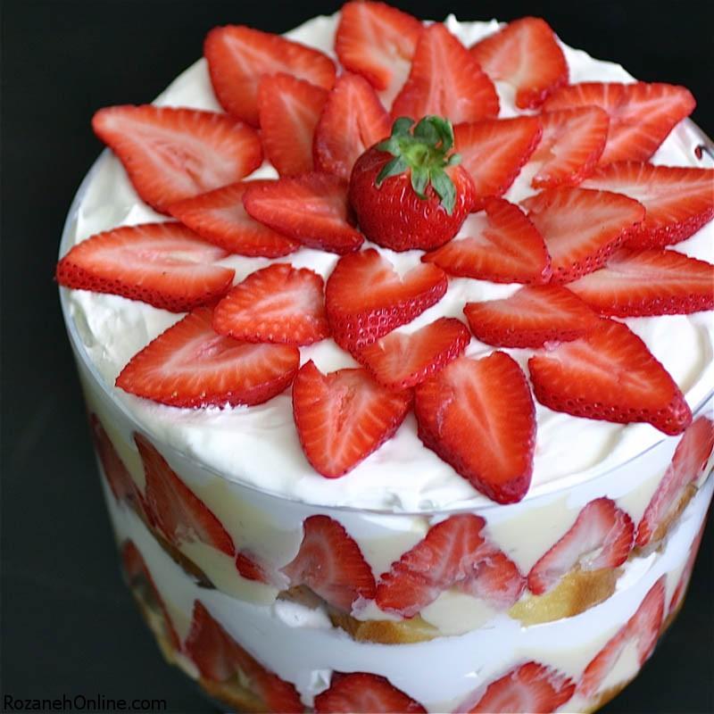 دستور پخت کیک توت فرنگی در فصل تابستان