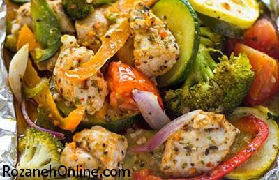 خوراک مرغ و سبزیجات تایلندی کاملا رژیمی را اینگونه طبخ کنید!