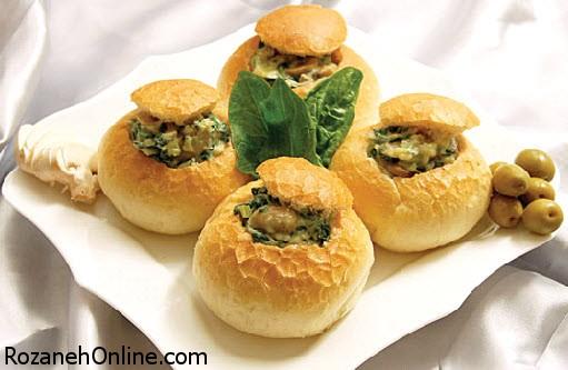طرز تهیه نان شکم پر همراه با سیب زمینی و فلفل سبز