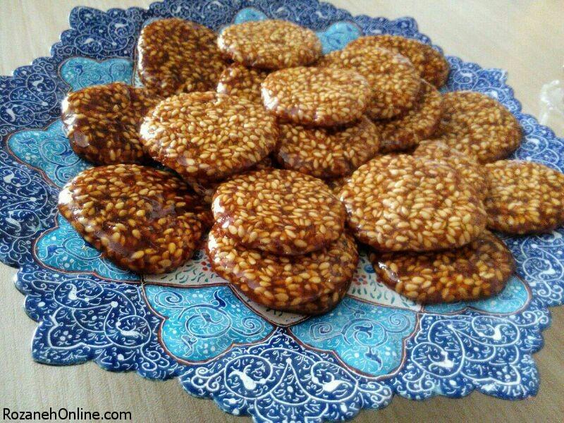 دستور تهیه سوهان کنجدی سنتی در منزل