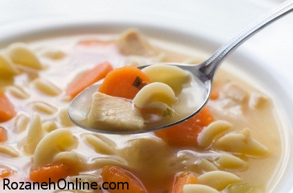 سوپ رژیمی مرغ و پاستا را با روش زیر تهیه کنید!