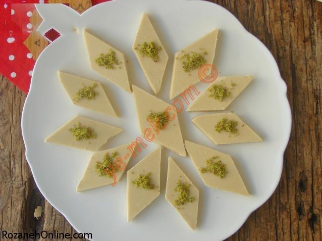 آماده کردن حلوای خوشمزه ترکیه برای افطار