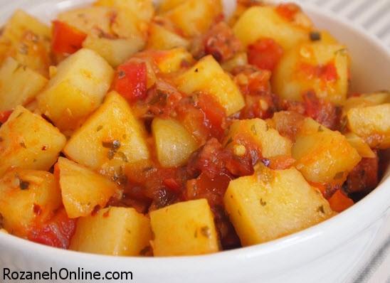 چگونه خوراک سیب زمینی و انار را در پاییز درست کنیم؟