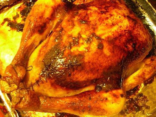 درست کردن مرغ شکم پر با زرشک و رب انار