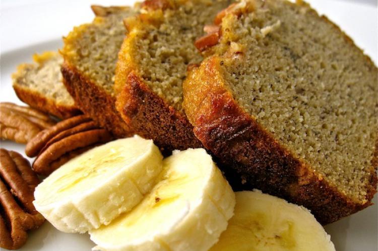 دستور پخت نان موز و گردو دارچینی