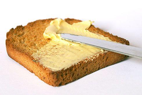 چگونه نان تست را در منزل تهیه کنیم؟