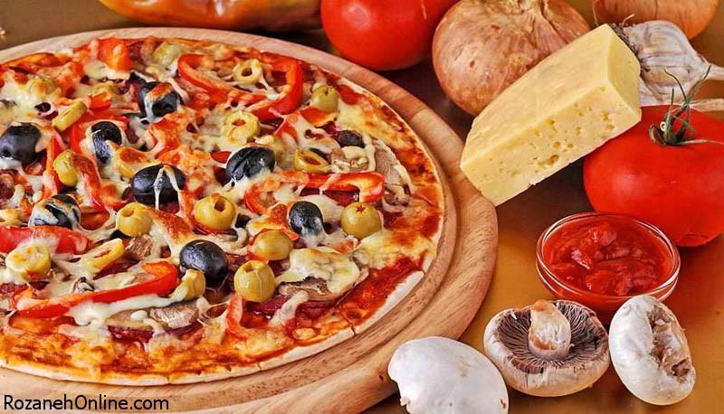 طرز تهیه پیتزای ایتالیایی همراه با استفاده از ژامبون