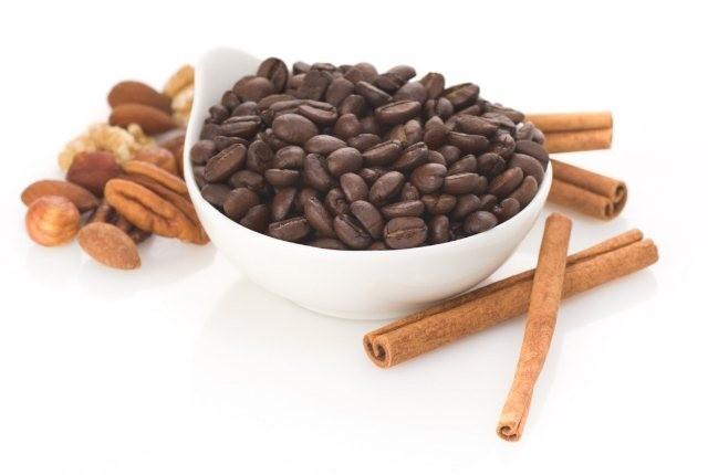 آیا اسکراب قهوه و دارچین برای زیبایی پوست مفید هستند؟