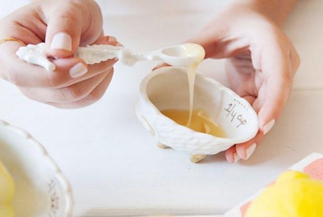 شامپوی تخم مرغ و عسل برای موهای خشک