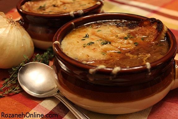 درست کردن سوپ پیاز فرانسوی بهمراه پنیر سوئیسی