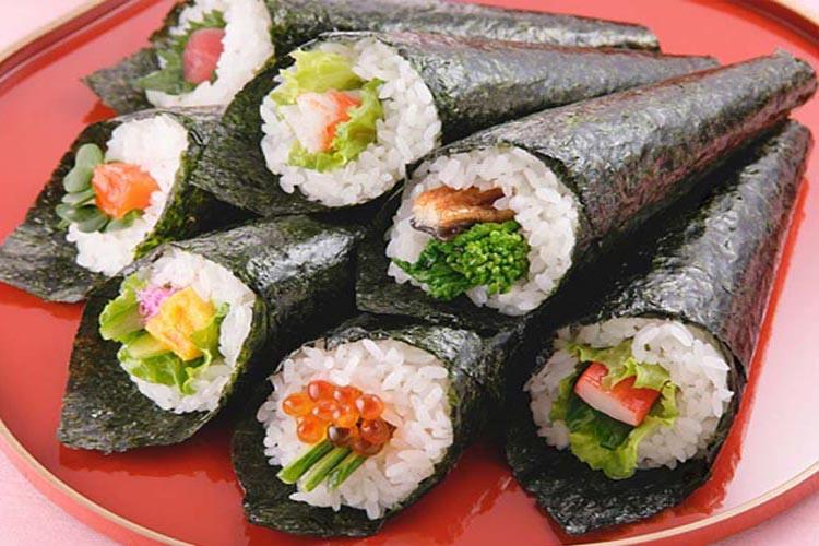 سوشی در منزل را با جدیدترین روش درست کنید!