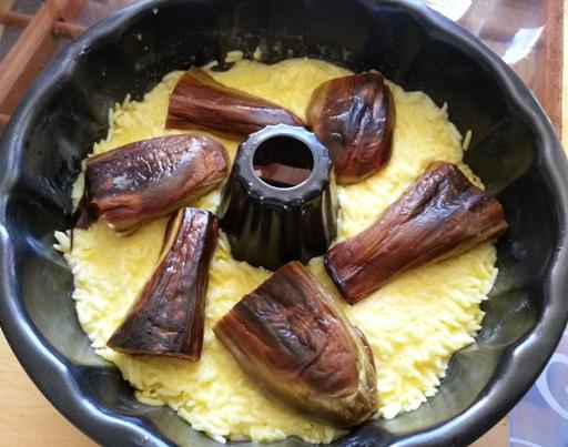 پخت تهچین گوشت و بادمجان همراه با رب گوجه فرنگی