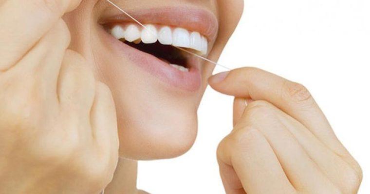 اهمیت بکارگیری نخ دندان