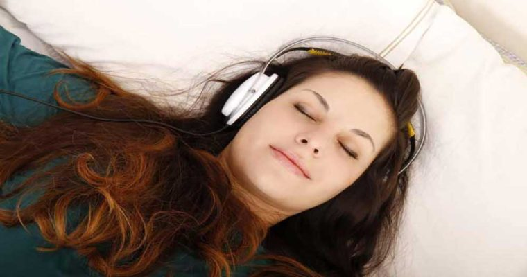 مزایای گوش دادن به موسیقی در حاملگی
