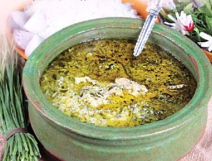طریقه پخت آش قلیه گیلانی با استفاده از چغندر تازه