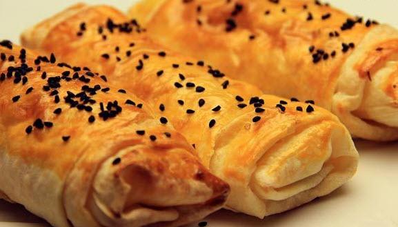 طرز تهیه بورک گوشت با استفاده از خمیر یوفکا