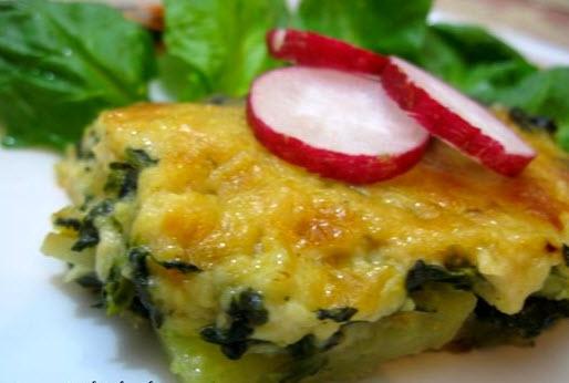 مراحل پخت گراتن سیب زمینی و اسفناج همراه با پنیر گودا