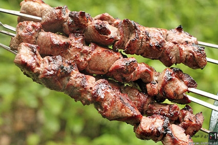 دستور پخت کباب گوشت بره و مزه دار کردن آن با سرکه