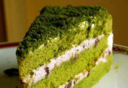 طرز تهیه کیک اسفناج با استفاده از شیر کم چرب