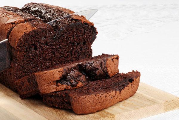 طرز تهیه کیک شکلاتی رژیمی با استفاده از شکر رژیمی