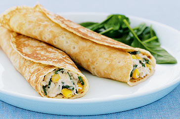 دستور پخت کرپ مرغ و پنیر و سبزیجات همراه با شیر