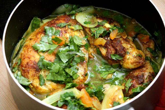 تهیه خوراک مرغ مراکشی مخصوص با استفاده از انواع سبزیجات
