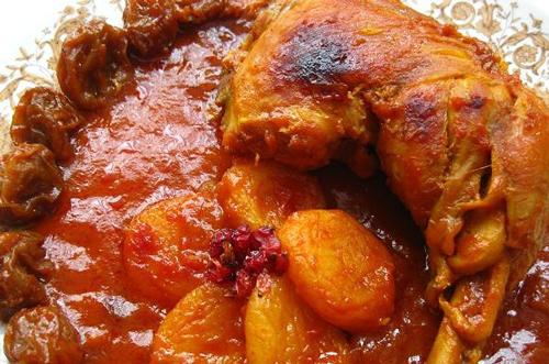 پخت خورش مسمای مرغ و آلو یک غذای شمالی اصیل