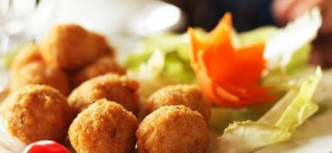 آموزش پخت کوفته ماهی همراه با جعفری و سیر