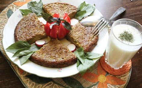 پخت کوکو کالباس و سبزیجات مخلوط طبق روش زیر