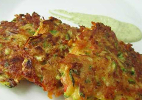 روش پخت کتلت مرغ و کدو سبز همراه با پنیر خامه ای