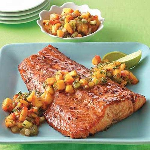چگونه ماهی سالمون و سس سالسا را در منزل تهیه کنیم؟