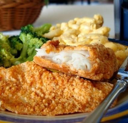 پخت ماهی سوخاری با پنیر پارمزان همراه با استفاده از پاپریکا