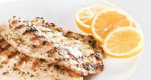 پخت ماهی تیلاپیا کبابی با استفاده از ریحان و آبلیمو