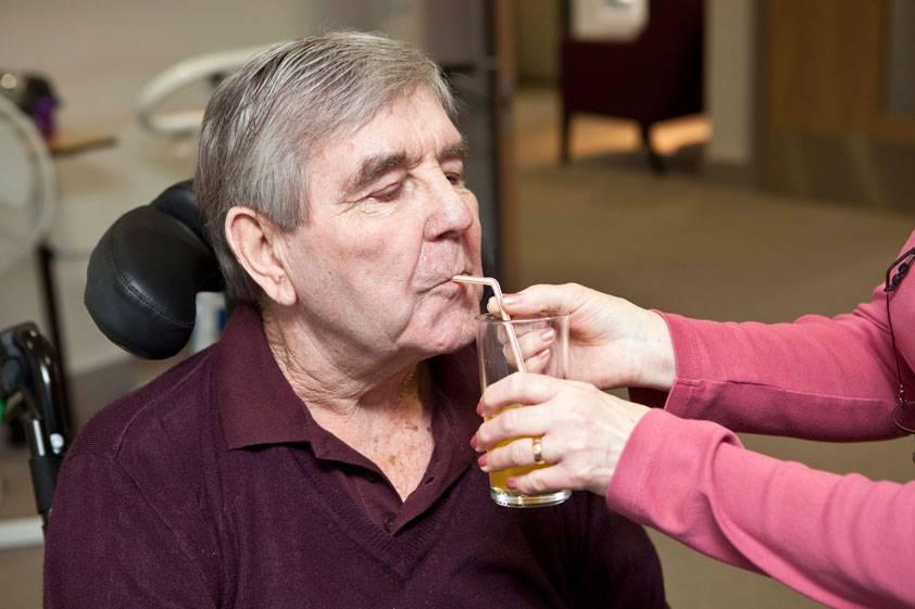 مشکلات گوارشی و تغذیه ای در سنین پیری
