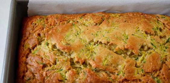 طرز تهیه نان کدو سبز همراه با استفاده از مغز گردو