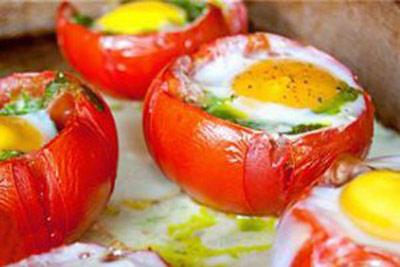 پخت املت گوجه کبابی با استفاده از گوجه های کباب شده
