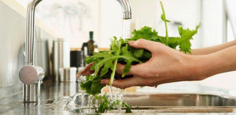 شستن صحیح میوه و سبزیجات