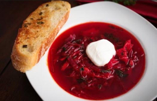 طرز تهیه سوپ برش روسی قرمز رنگ با استفاده از چغندر تازه