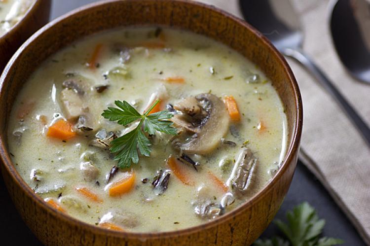 تهیه سوپ قارچ و هویج با استفاده از عصاره گوشت