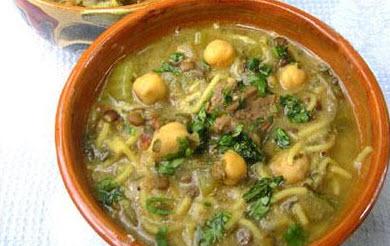 دستور پخت سوپ نخود مدیترانه ای با استفاده از برگ بو