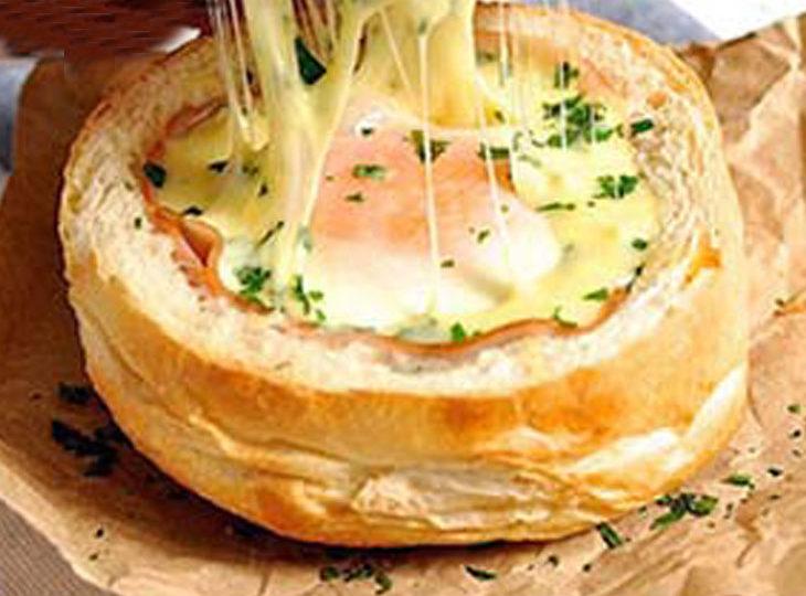 نحوه پخت تخم مرغ کاسه ای یک صبحانه باکلاس