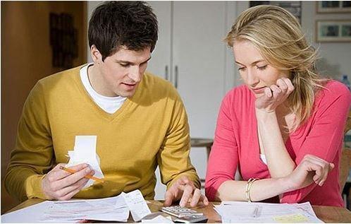 مشکلات مالی با همسرمان را با انتقاد بی مورد نکردن حل کنیم!