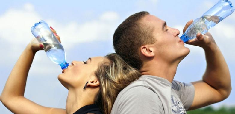 تاثیر آب خوردن بر لاغری