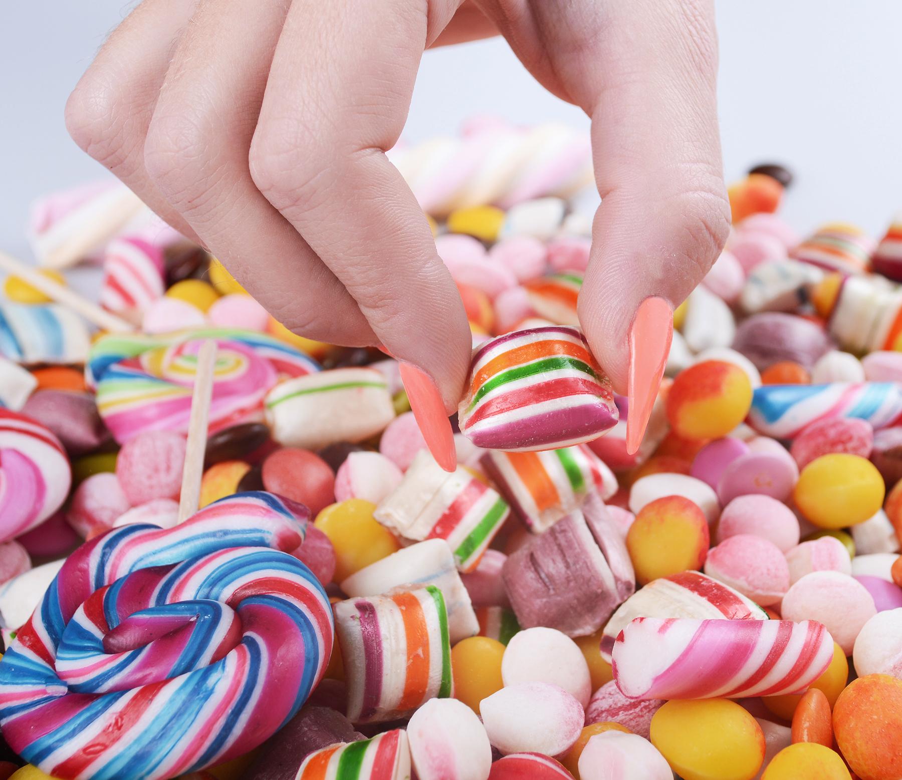 علاقه به مصرف شیرینی جات