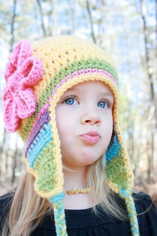 انواع مختلف و جدید از شال و کلاه بافتنی بچه گانه