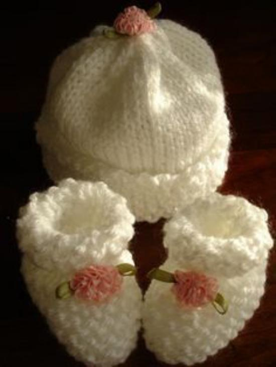 تصاویری از مدلهای جدید شال و کلاه بافتنی بچه گانه