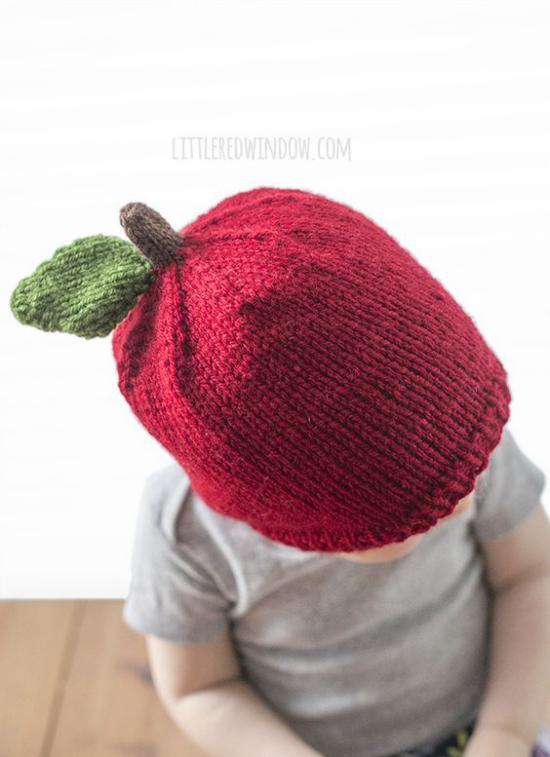 تصاویری از مدلهای جدید شال و تصاویری از مدلهای جدید شال و کلاه بافتنی بچه گانهکلاه بافتنی بچه گانه