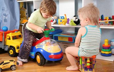 اسباب بازی کودکان دخترانه ، پسرانه دارد یا خیر؟