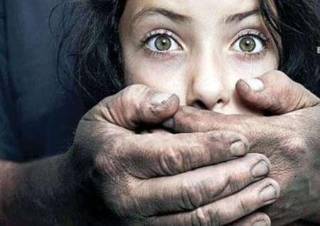 آزار جنسی دیدن کودک با توجه به نشانه های زیر