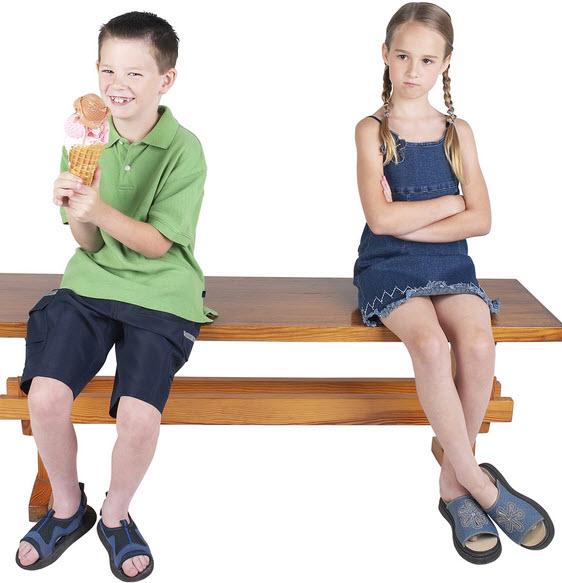 جلوگیری از دعوای دوقلوها با نظر روانشناسان کودک